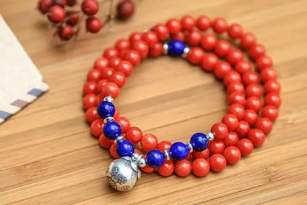 红珊瑚手链真假鉴别方法,红珊瑚手链要如何鉴别?