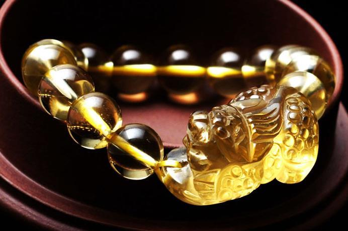 天然黄水晶的功效与作用有哪些?黄水晶的功效与作用是什么?