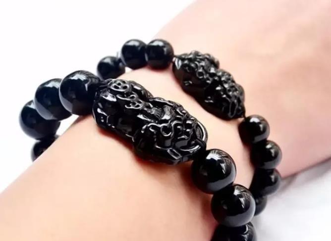 黑曜石貔貅手链的佩戴方法:怎么佩戴才合适?