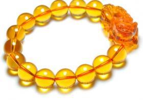 黄水晶貔貅手链:什么人适合戴呢?