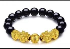 黄金貔貅手链怎么佩戴?佩戴方法对了才会招财又催运!
