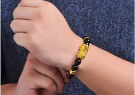 怎样戴貔貅手链:如何佩戴貔貅手链?四个诀窍尽数教给你