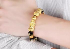 黄金貔貅手链带几个好 正确佩戴可为人生带来好运