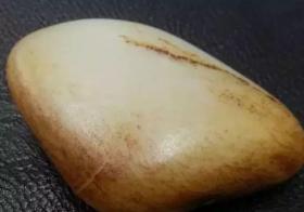 硬核:汗毛孔是鉴别和田玉籽料的真招?