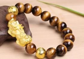 手串貔貅配两颗金珠 定能助力好事成双!