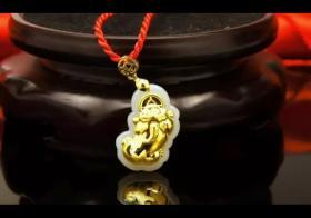 黄金貔貅挂坠的戴法 一定要考虑周全