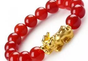 石榴石貔貅手链戴法必须掌握 可助生活美满