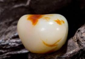 洒金皮和田玉籽料如何辨别?