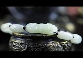 翡翠貔貅手链应该如何佩戴?