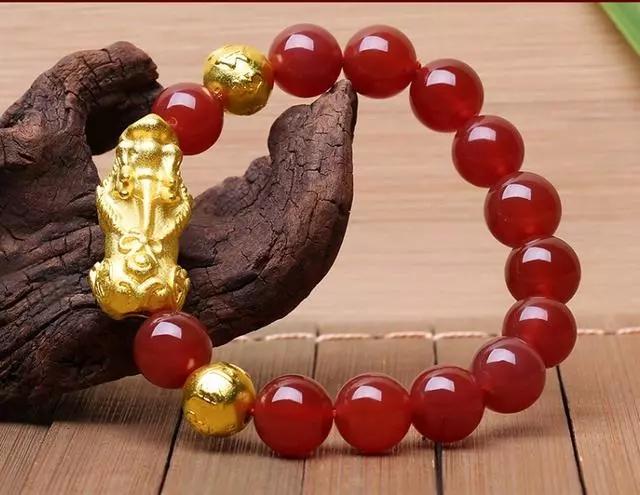 黄金貔貅用什么珠子好?