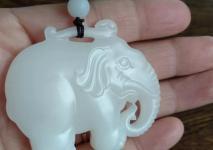 佩戴和田玉大象有什么寓意?