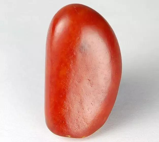 为什么和田玉红皮价格要比普通的玉石贵?