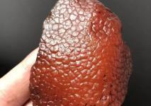 你知道市面上流传的蜜蜡鉴定法靠谱吗?